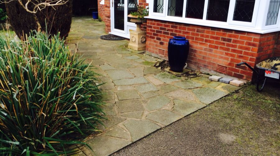 indian stone used for patio in Mobberley